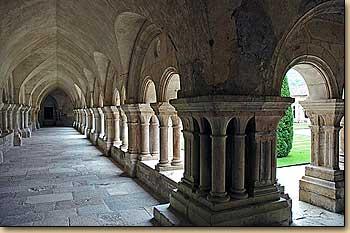 フランスの旅 フォントネー修道...